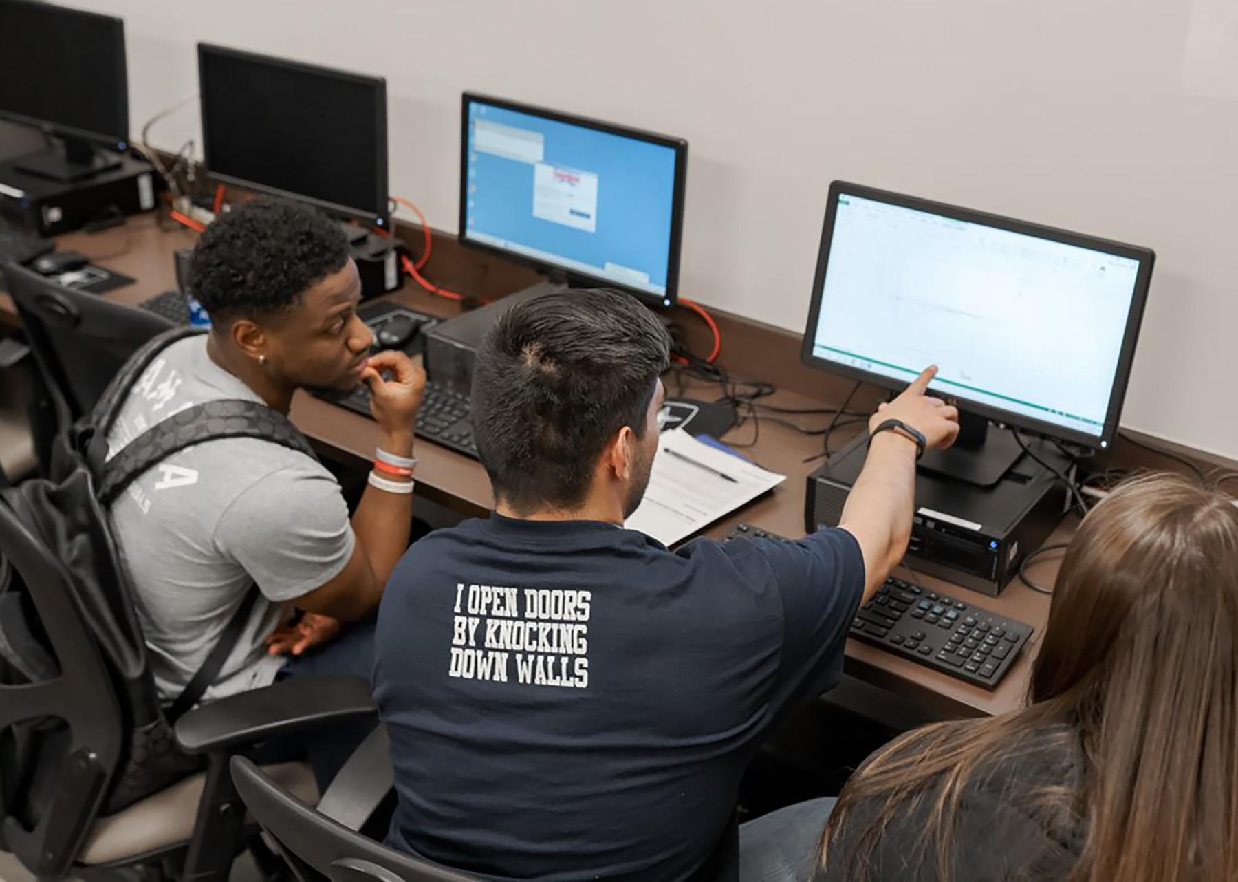 CSU Pueblo students collaborating in a computer lab